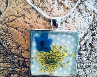 Pressed flowers and polka dots necklace