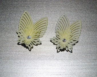Vintage Pastel Yellow Clip On Earrings