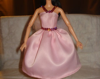 Lite pink Satin, sequin & Tulle dress for Fashion Dolls - ed447