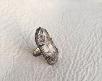 Tibetan Quartz Point Silver Ring Manifestation and Rainbow Tibetan Quartz Statement Ring Sterling Silver Triangle Arrow Motif Jewelry Size 6