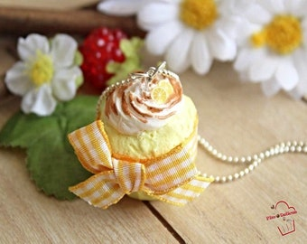 Lemon cupcake necklace, merengue Fimo