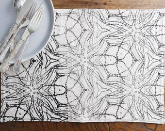 Lundi Beige and Black Placemat