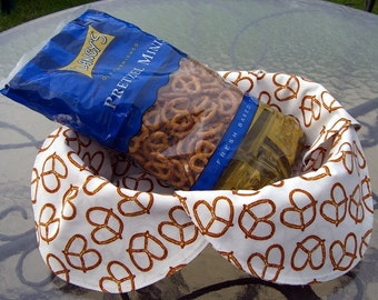 Basket Liner, Bread Cloth, Centerpiece, Realistic Looking Pretzels On A White Background, Handmade Table Linens