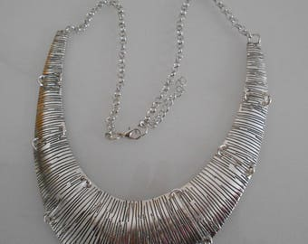 Bib necklace silver streaked, 130 mm x 25 mm silver