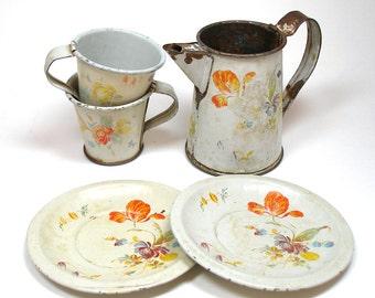 SCARCE 1922 Tin Toy Tea Set, Flowers on White by Felix Lasse, 5 piece set.
