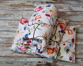 Nursery linen, baby bedding, quilt and pillow, flowers
