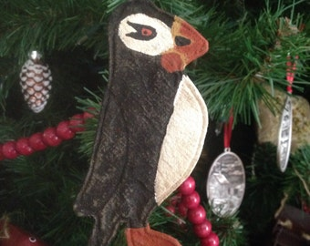 Puffin Ormament Christmas Ornament Primitive Ornie  Grungy Hand Painted