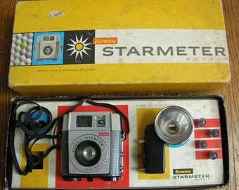 Kodak Brownie Starmeter Camera with Box, Flash, Instructions and 4 AG1b Flashbulbs
