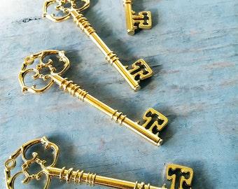 """Skeleton Key Antiqued Gold Key Large Skeleton Key Steampunk Key Wedding Key 1 piece 3.25"""" Shiny Gold Key Pendant Ornate Big Key"""