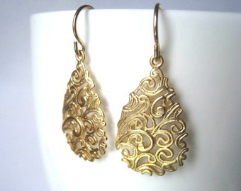 Paisley Teardrop Gold Earrings, Gold Drop Medallions, Gold Filled Wires