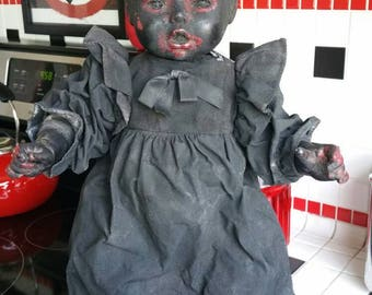 Horror Doll  Island of the dolls