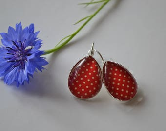 red and white dots earrings