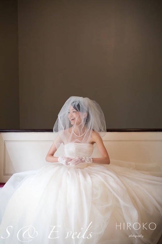 Bubble Wedding Veil - Raw Edge with metal comb