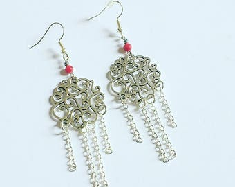 Earrings arabesque engraving in silver and coral gemstone