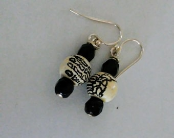 Skeletal Hands earrings