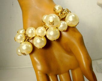 Pearl Bead CHARM Bracelet, Gold Chain with Assorted Size White Pearl Bead Dangles, Shiny Gold & Lustered White Fun Glam Bracelet, Recycled
