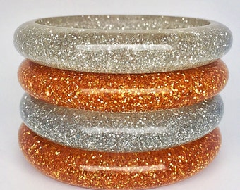 wonderful glitter bangle 50s lucite look - reproduction vintage. Chunky quality!