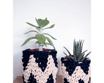 Crocheted plant pot covers, houseplant pots, zig zag design, mothers day gift, desk tidy, cactus and succulent pot cover, indoor planters