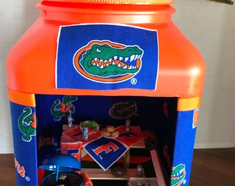 Florida Gator Miniature Tail Gate Party