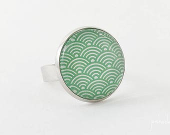 Ring with green print Japanese waves pattern