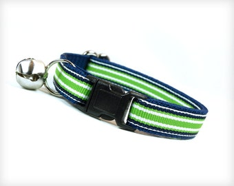 "Cat Collar - ""Synchronicity"" - Classic Sporty Stripes in Green & White on Navy Blue"