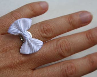 Ring with adjustable bowtie