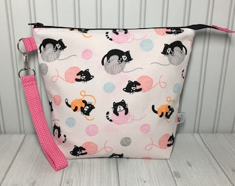 Medium Zipper with Handle Top Knitting Crochet Project Bag - Paws Off My Yarn!