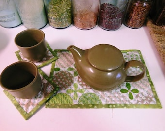 Quilted Coasters and Quilted Teapot Trivet