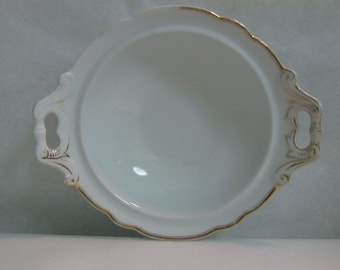 BIEDERMEIER porcelain bowl with handles. White with gold decor and gold rim. Approx. 27 cm x 23 cm. Collectible. Vintage