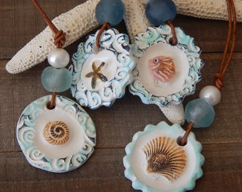 Leather necklace with a ceramic pendant and freshwater pearl, adjustable necklace, boho style jewelry, summer jewelry, starfish pendant