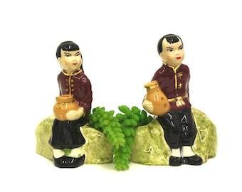 Vintage Asian Man & Woman Novelty Planters (E6251)