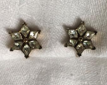 Crown Trifari Vintage Rhinestone clip earrings gold toned Star Very Pretty and classic!