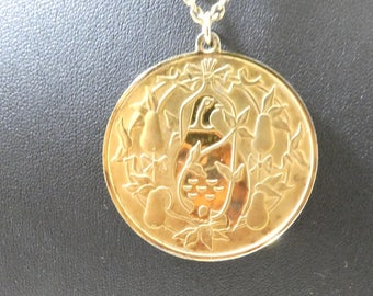 Solid Silver Christmas Pendant Medal Medallion Necklace Chain 24ct Gold Over Silver Partridge in a Pear Tree John Pinches
