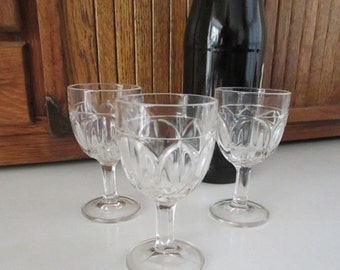 Large Tulip Cordial Glasses or Small Tulip Wine Glasses - Clear Glass - Set of 3 - Vintage Stemware