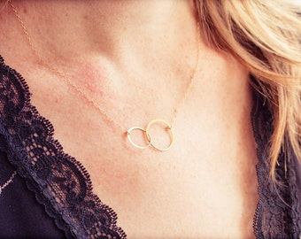 Simple Necklace Gold Circle LINK Infinity Necklace, 14k Gold Fill or Sterling Silver, Linked Rings Dainty Minimalist everyday delicate