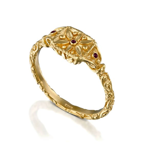 Antique Style wedding ring engraved flowers and leafs antique