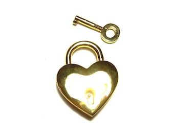 Heart shaped padlock gold KR-06G046