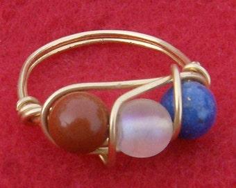 Draht gewickelt Ring - Red, White & Blue in Gold, Sz 6 1/2, von JewelryArtistry - R241