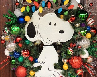 SNOOPY CHRISTMAS Wreath with LIGHTS, It's a Snoopy Christmas Charlie Brown, Peanuts Christmas Wreath
