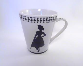 mug, black and white, 2 silhouettes of fashion
