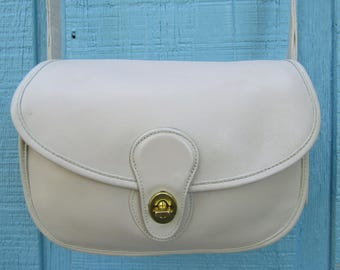 """Coach ~ Prairie Bag ~ Bone ~ Glove Tanned ~ Leather ~ Great Condition ~ Recycled ~ Vintage ~ Medium Size ~ 10"""" X 7"""" X 3"""""""