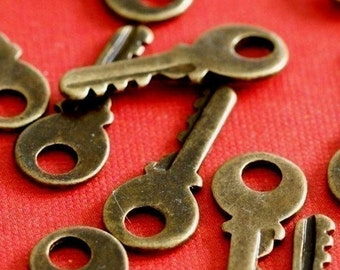 48pcs Antique Bronze Small Key Pendants EA11603Y-AB