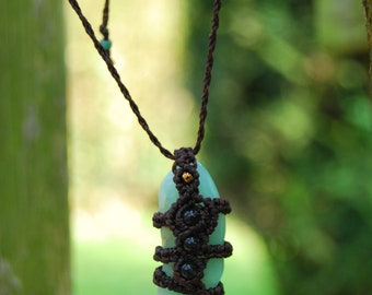 chrysoprase stone and macrame necklace