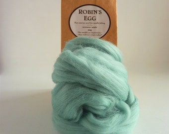 Eggshell blue merino roving, 25g (1oz) Robin's Egg, merino roving,  UK needle felting, needle felting wool,  needle felt supplies