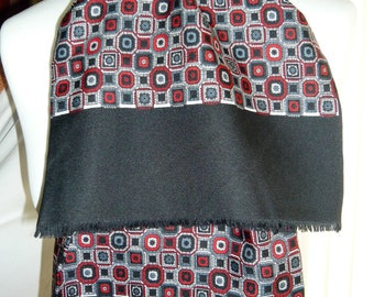 1960's Vintage Black, Red and Grey Patterned Scalf