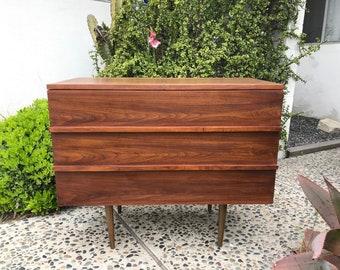 MID CENTURY MODERN 3 Drawer Dresser/Media Stand (Los Angeles)