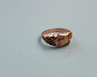 Art Nouveau Gold Tone Shield Signet Ring