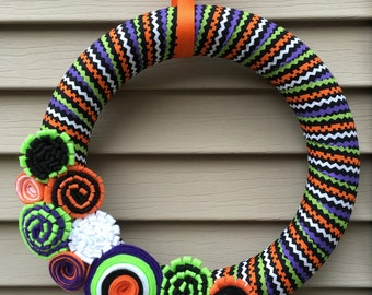 Halloween Wreath - Halloween Striped Fabric with Felt Flowers - Halloween Felt Wreath - Fall Wreath - Fabric Wreath - Felt Flower Wreath