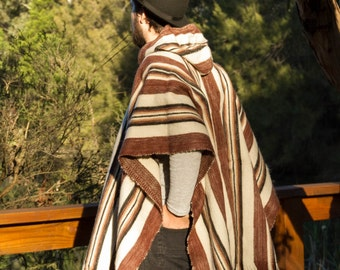 Handcrafted Andean alpaca hooded/collar poncho