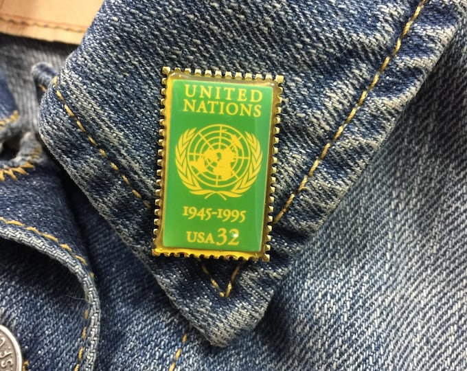 Vintage United Nations Postage Stamp Lapel Pin (stock# 882)
